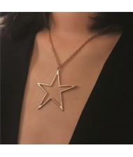 Hollow Star Pendant Alloy Fashion Necklace - Golden