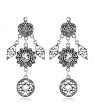 Vintage Floral Pattern Dangling Fashion Earrings - Silver