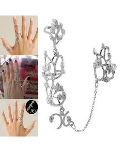 Floral Vine Design Linked Design Unique High Fashion Ring - Silver
