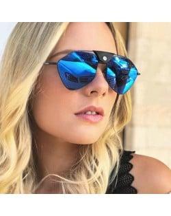 5 Colors Available Rivet Fashion Bold Frame Women Sunglasses