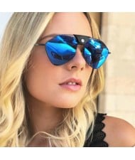 5 Colors Available Rivet Fashion Bold Frame Sunglasses