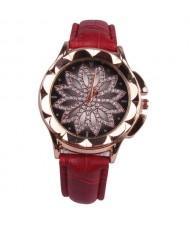Vintage Hollow Design Floral Index Women Fashion Wrist Watch - Red