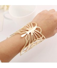 Hollow Butterfly Design Bold Fashion Alloy Bracelet