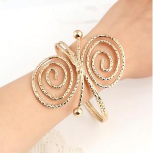 Graceful Butterfly Shape Bold High Fashion Alloy Bracelet - Golden