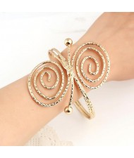 Graceful Butterfly Shape Bold High Fashion Alloy Bracelet - Golden