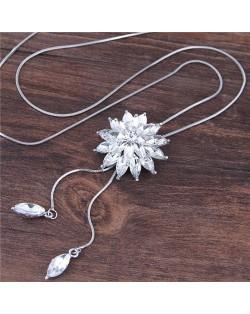 Rhinestone Shining Flower Pendant Long Chain Fashion Necklace - White