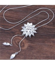 Rhinestone Shining Flower Pendant Long Chain Fashion Necklace - White