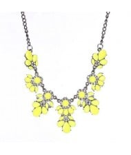Resin Gems and Rhinestone Summer Style Flowers High Fashion Costume Statement Necklace - Yellow