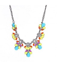 Resin Gems and Rhinestone Summer Style Flowers High Fashion Costume Statement Necklace - Multicolor
