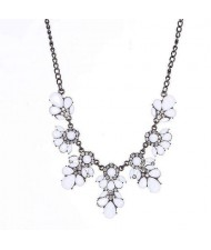 Resin Gems and Rhinestone Summer Style Flowers High Fashion Costume Statement Necklace - White