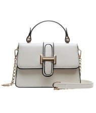 (4 Colors Available) Solid Color Classic Buckle Design High Fashion Lady Handbag/ Shoulder Bag