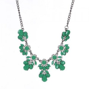 Resin Gems and Rhinestone Summer Style Flowers High Fashion Costume Statement Necklace - Green