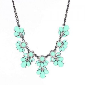 Resin Gems and Rhinestone Summer Style Flowers High Fashion Costume Statement Necklace - Teal