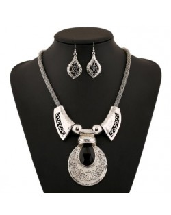 Vintage Royal Floral Engraving Pattern with Gem Inlaid Design Fashion Costume Necklace and Earrings Set
