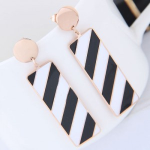 Black and White Contrast Color Oblong Shape Dangling Pendant Design Women Stainless Steel Earrings