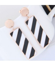 Black and White Contrast Color Oblong Shape Dangling Pendant Design Women Stainless Steel Earrings