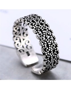 Vintage Floral Pattern Design Women Fashion Ring