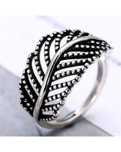 Hollow Leaf Design Vintage Women Fashion Ring
