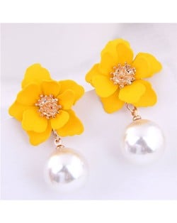 Yellow Flower with Dangling Pearl Fashion Women Costume Earrings