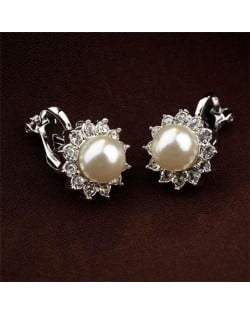 White Pearl Inlaid 18k Gold Plating Flower Patter Women Earrings
