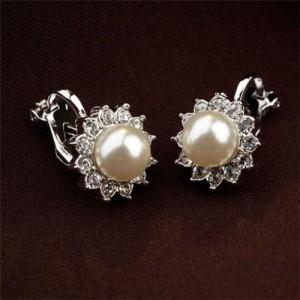 White Pearl Inlaid 18k Gold Plating Flower Patter Women Earrings