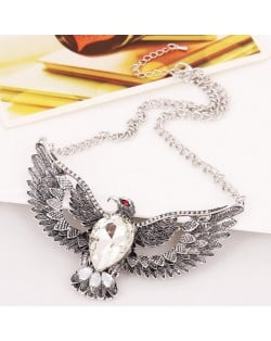 Vintage Eagle Pendant Alloy High Fashion Necklace - Silver