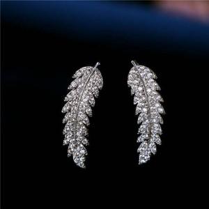 Cubic Zirconia Embellished Elegant Leaves Design 18k Platinum Plated Earrings