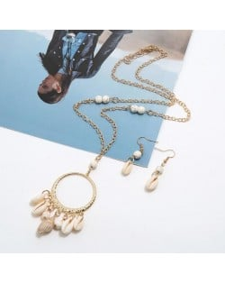 Turquoise Beads Decorated Seashell Tassel Hoop Pendant Design Women Fashion Necklace and Earrings Set - White