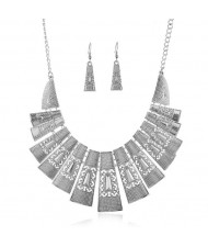 Unique Hollow Design Linked Bars High Fashion Women Bib Necklace - Silver