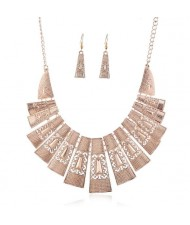 Unique Hollow Design Linked Bars High Fashion Women Bib Necklace - Rose Gold