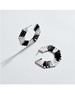 Hollow Weaving Pattern Semi-circle Shape Women Statement Earrings - Black and White