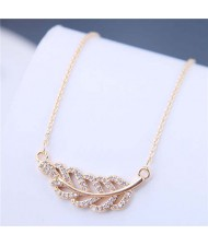 Luxrious Fashion Cubic Zirconia Leaf Pendant Korean Style Women Costume Necklace - Golden