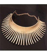 Bold Rivets Punk Style High Fashion Alloy Women Statement Necklace - Golden