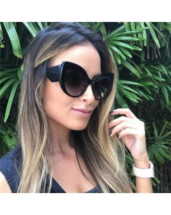 6 Colors Available Bold Modern Frame High Fashion Women Sunglasses
