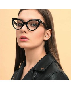 6 Colors Available Unique Cat Eye Design Frame High Fashion Women Sunglasses
