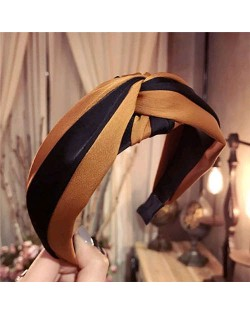 Contrast Color Bowknot Design High Fashion Cloth Women Hair Hoop - Champagne