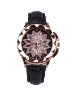Vintage Hollow Design Floral Index Women Fashion Wrist Watch - Black