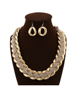 Weaving Pattern Alloy Bold Chain Design Golden Necklace and Earrings Set