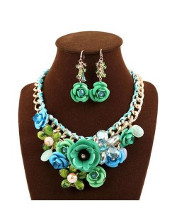 Gorgeous Flowers Cluster Bold Alloy Chain and Weaving Design Women Bib Necklace and Earrings Set - Green
