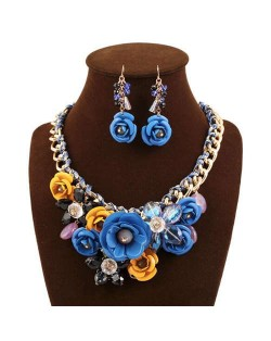 Gorgeous Flowers Cluster Bold Alloy Chain and Weaving Design Women Bib Necklace and Earrings Set - Blue + Yellow