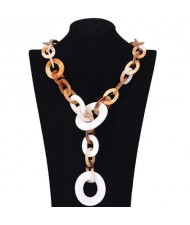 White Linked Circles Chain Fashion Acrylic Women Costume Necklace