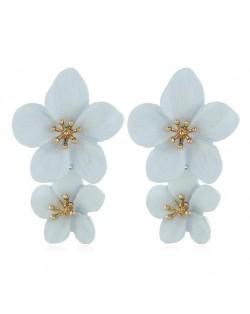 Dual Flowers Cluster Design High Fashion Women Tassel Earrings - White