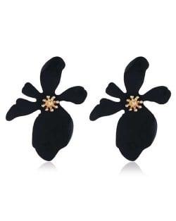 High Fashion Flower Design Women Statement Costume Earrings - Black