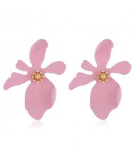 High Fashion Flower Design Women Statement Costume Earrings - Pink