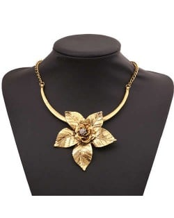 Flower Pendant Romantic Style Short Costume Necklace - Vintage Copper