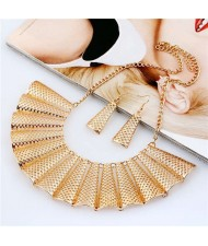 Hollow Fan-shape Metallic Women Bib Necklace and Earrings Set - Golden