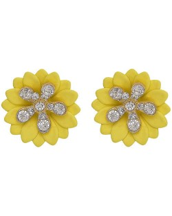 Rhinestone Embellished Daisy Design High Fashion Women Earrings - Yellow