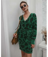 Leopard Prints V-neck Waistband Decorated Winter Fashion One-piece Women Dress - Green