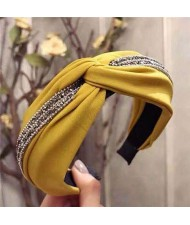 Rhinestone and Beads Embellished Knot Pattern Women Cloth Hair Hoop - Yellow