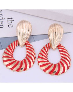 Seashell Pattern Hollow Waterdrop Design High Fashion Women Earrings - Red